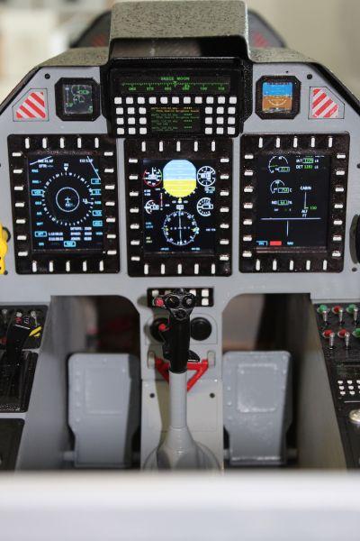 PC-21 2,68 m Cockpit LCD