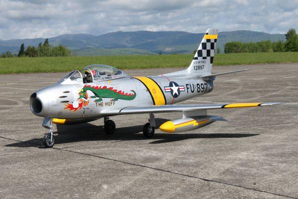 "F-86 3,1m ARF ""The Huff"""